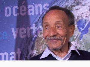 France: Pierre Rabhi décoré de la Légion d'Honneur