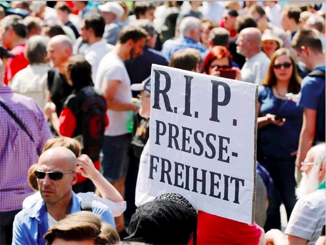 Germany: Journalists around the world stand up in support of Netzpolitik after outrageous 'treason' investigation
