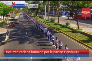 40,000 Create Human Chains to Protest Violence in Honduras