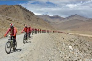 India: Buddhist nuns bike Himalayas to oppose human trafficking