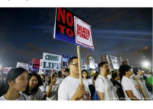 Philippine Catholics march against Duterte's deadly war on drugs