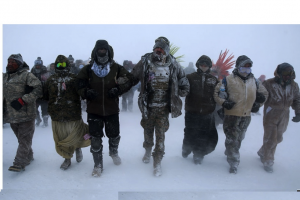 USA: Army veterans forming human shield to protect NoDAPL protesters at Standing Rock
