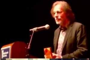 Jackson Browne honored in New Haven with Promoting Enduring Peace's Gandhi Award