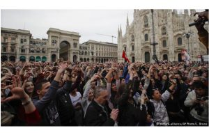 Milan, Italy: Anti-racism protesters denounce Italy's right-wing government