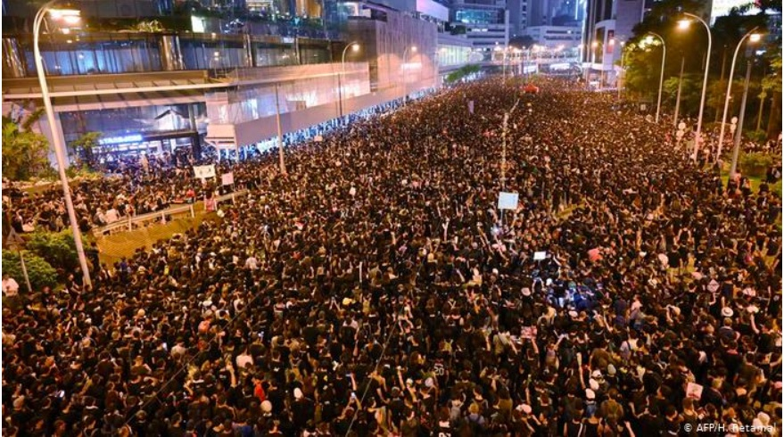Hong Kong protesters march demanding leader resign