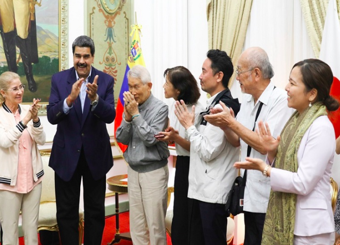 Venezuela: President Maduro Meets with the Activists of Peace Boat