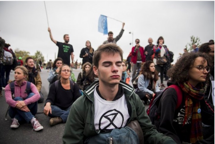 """Extinction Rebellion, not political? """"We occupied the center of Paris for five days! """""""