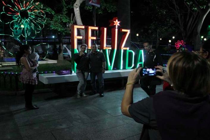 Despite destabilizing actions Venezuela lives a peaceful Christmas