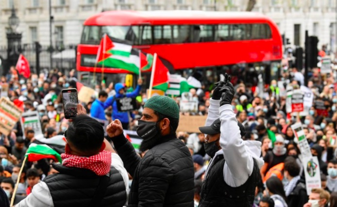 People Around the World Stand Up in Solidarity With Palestine