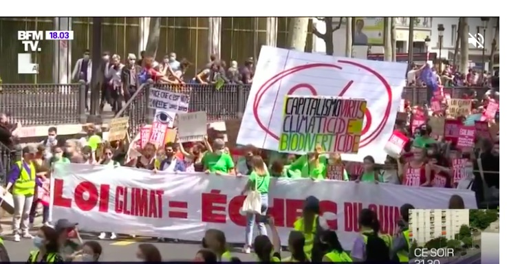 France: March for the Climate: Thousands Demonstrate in Paris