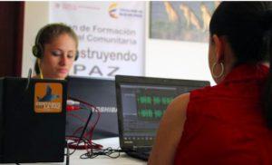 La radio, instrumento para explicar la paz en zonas remotas de Colombia