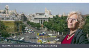 """La alcaldesa de Madrid: """"Las ciudades pueden acabar con la apatía democrática."""""""