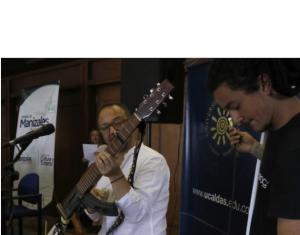Colombia: Carnaval por la Paz acercó a exguerrilleros y comunidad en Manizales